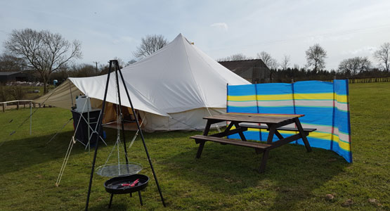 Meadow View Bell Tents - near Paultons Park and Peppa Pig World