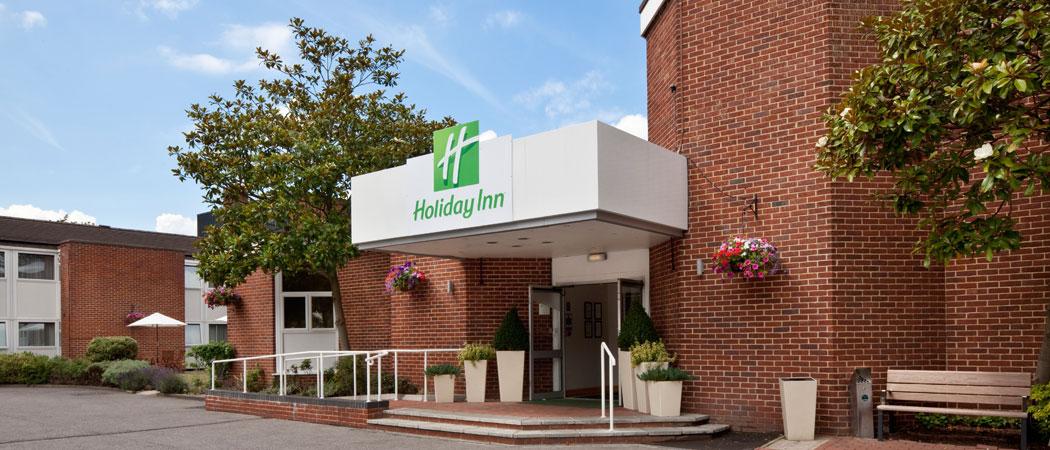 Holiday Inn Basingstoke L Hotels Near Paultons Park