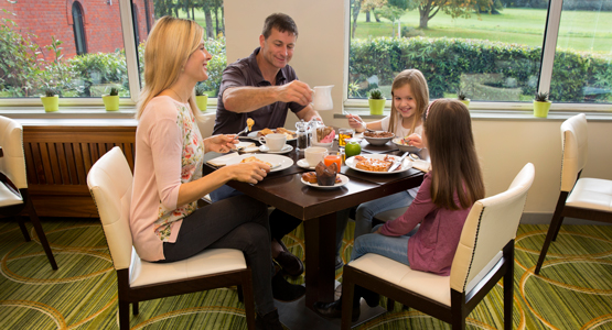 Meon Valley Marriott Hotel & Country Club - breakfast